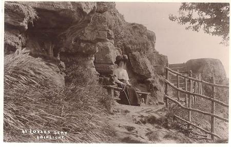1910-1914_lady-dog_spc_bw_web